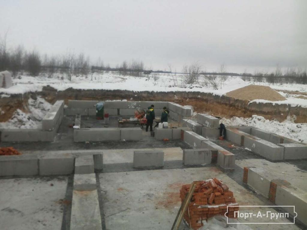 Фото строительства цокольного этажа из блоков фбс